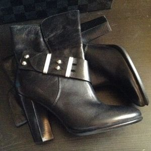100% leather boots by saks fifth avenue